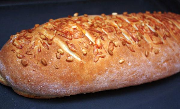 хлеб сырный