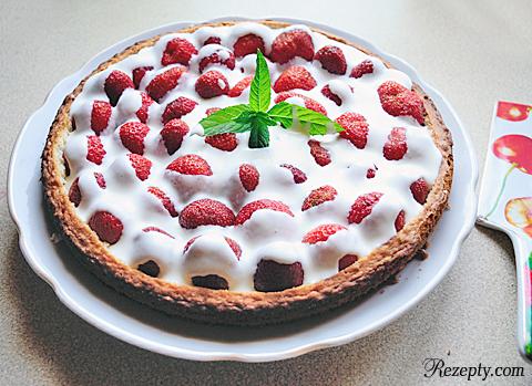 пирог со свежей клубникой
